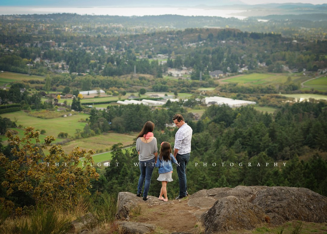 family looking out over mountain, Victoria BC photographers