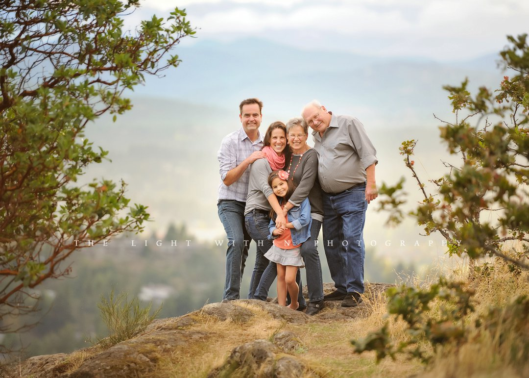 extended family photo, Victoria BC photographer